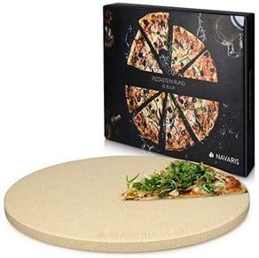 Pizza vom Pizzastein