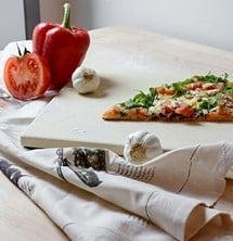 Pizzastein Pizza